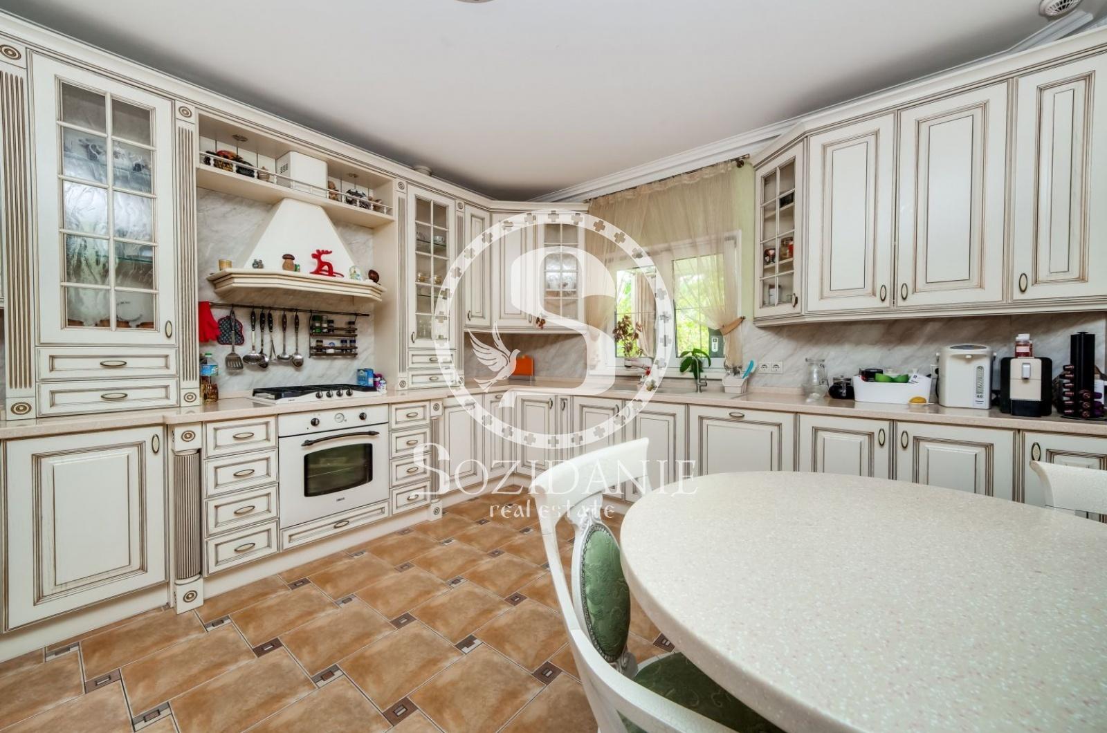 6 Bedrooms, Загородная, Продажа, Listing ID 2450, Московская область, Россия,