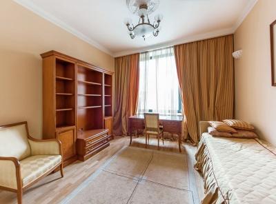 4 Комнаты, Городская, Аренда,  Бутиковский переулок, Listing ID 1227, Москва, Россия,
