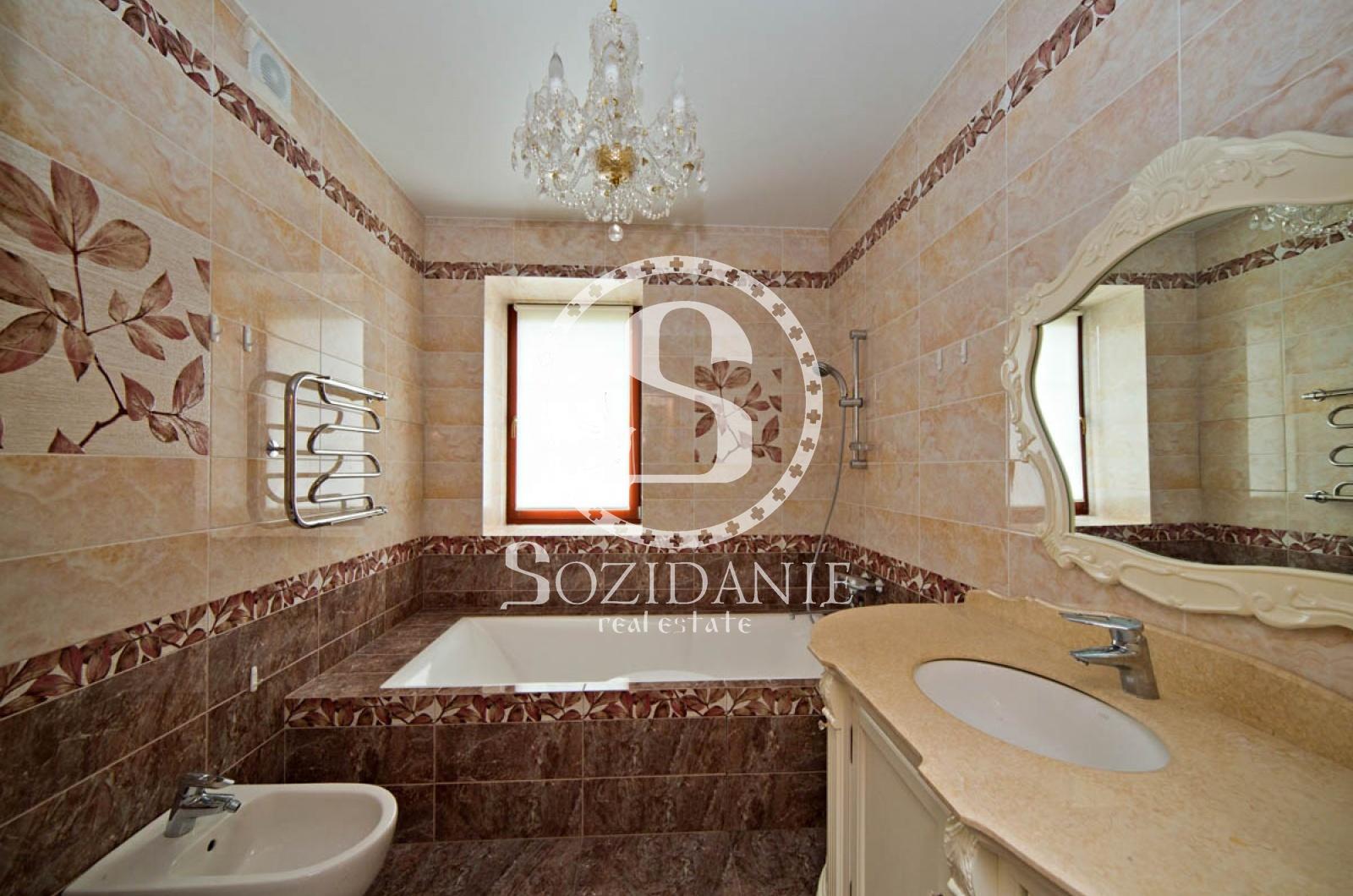 6 Bedrooms, Загородная, Продажа, Listing ID 1241, Московская область, Россия,
