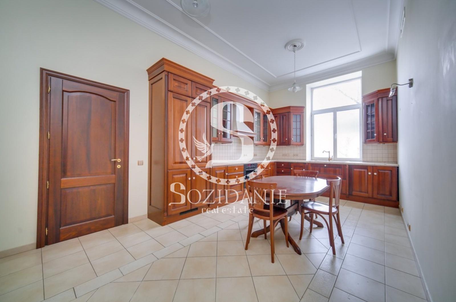 4 Комнаты, Городская, Аренда, Романов переулок, Listing ID 1305, Москва, Россия,