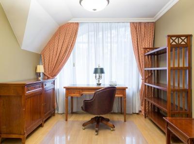 7 Комнаты, Городская, Аренда, Улица Осенняя, Listing ID 4588, Москва, Россия,
