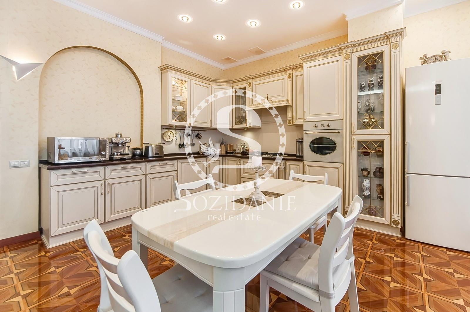 4 Bedrooms, Загородная, Продажа, Listing ID 1519, Московская область, Россия,