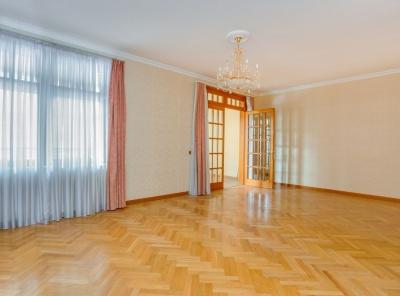 4 Комнаты, Городская, Продажа, Улица Лесная, Listing ID 1725, Москва, Россия,