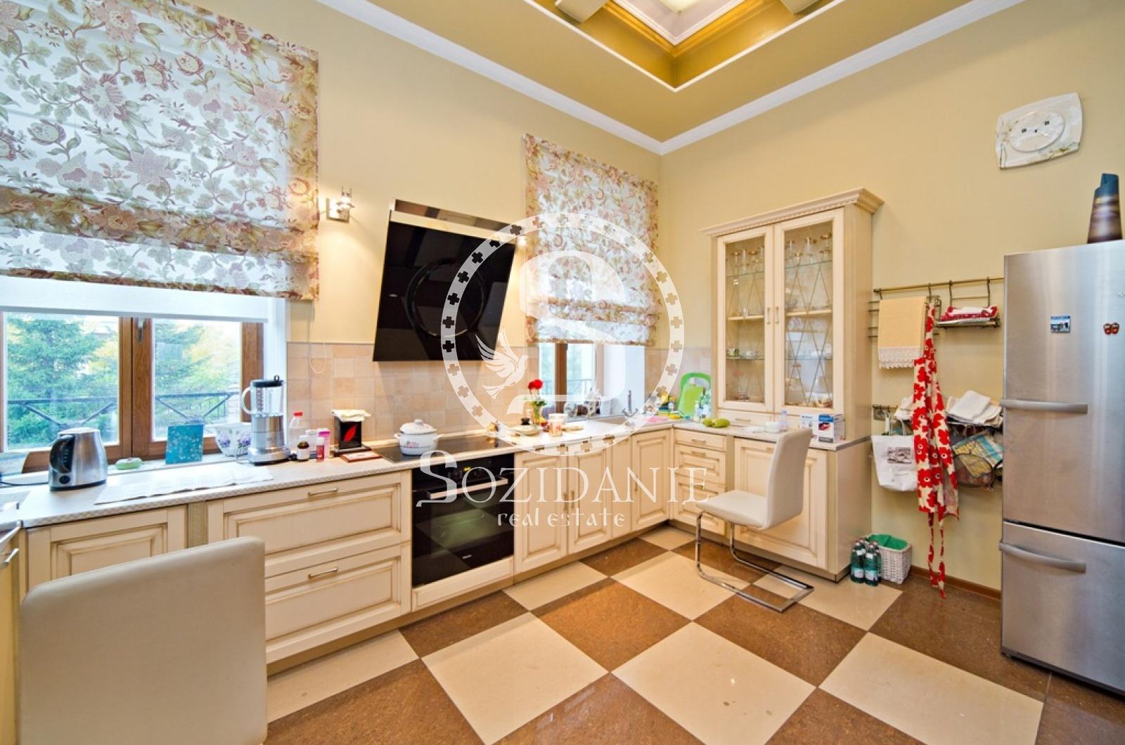 4 Bedrooms, Загородная, Продажа, Listing ID 1057, Московская область, Россия,